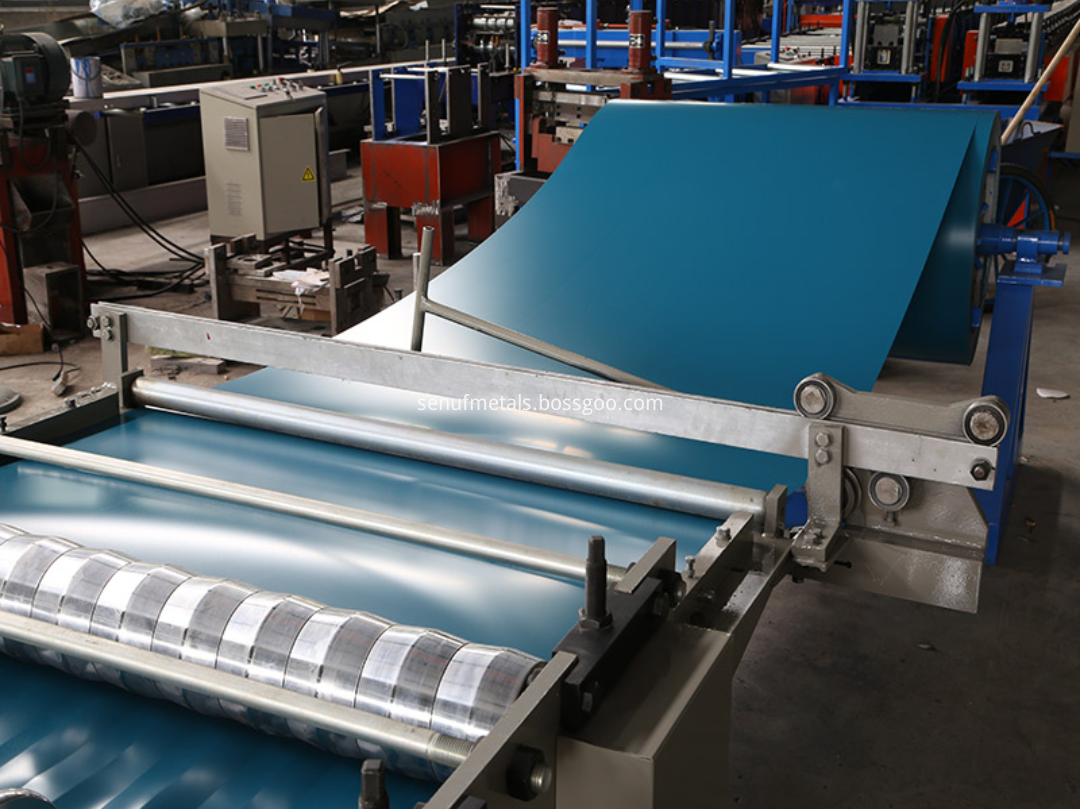 Corrugated forming machine pre-cutter
