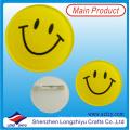 Lächeln-Gesichts-Knopf Buttons Tinplate-Abzeichen mit kundenspezifischem Entwurf verfügbar