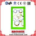 Hölzernes pädagogisches an der Wand befestigtes Spiel-Brett für das Kinderlernen