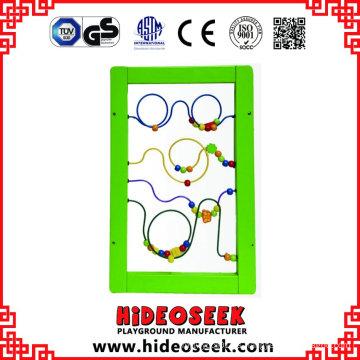 Tablero de juego de pared educativo de madera para el aprendizaje de niños