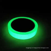 1 rollo de cinta adhesiva luminosa
