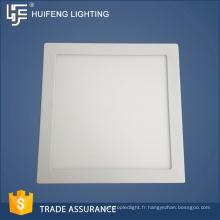 Taille standard des ventes chaude Usine faite pas cher carré conduit la lumière du panneau