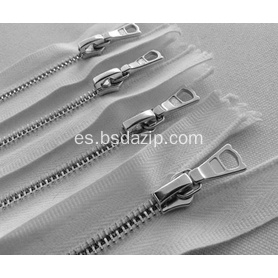 Brass No. 13 White Zipper para bolso