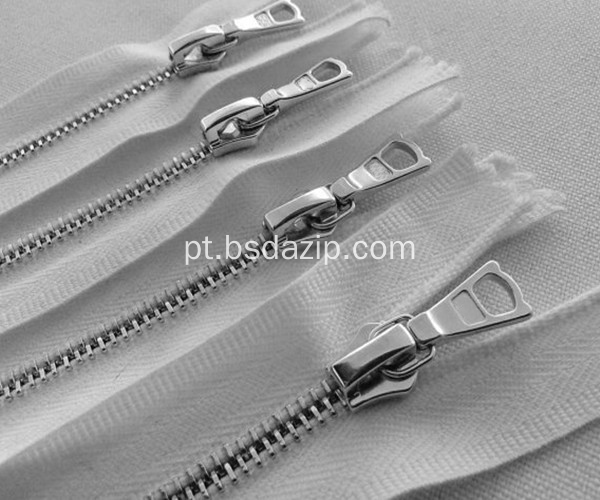 Brass No. 13 White Zipper para Bolsa