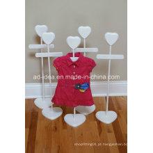 Expositor Branco / Exposição para Promoção de Vestuário de Loja
