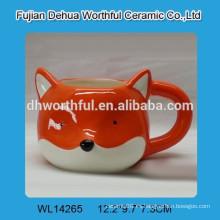 Taza de cerámica popular con forma de zorro