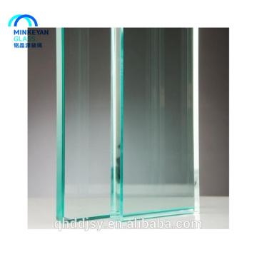 Vidro moderado curvado liso matizado claro de 12mm 15mm 19mm para a parede de cortina