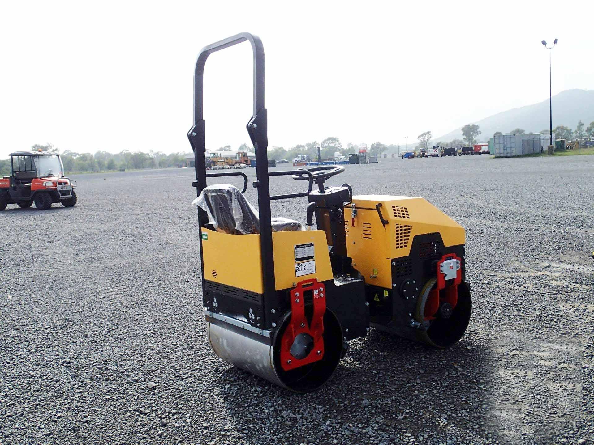 FYL-880 road roller