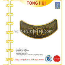 Arc / Curve design metal lembrança lapela pino / emblema com revestimento de ouro antigo
