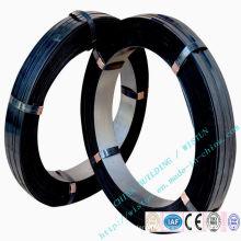 Banda de acero plana azul, revestida de cera negra.