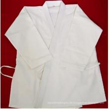 Weiße Karate Uniform