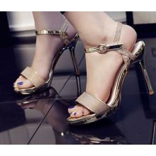 Sandalia de mujer de tacón alto