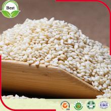Rohe organische geschälte weiße Sesamsamen
