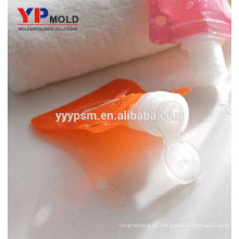 Barato e plástico fino PE + PET bonito quadrado rosa forma portátil carry-on shampoo / creme garrafa / saco de molde de injeção