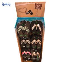 Les chaussures de sport accrochant l'étagère d'affichage pour la boutique de chaussures, support d'affichage de chaussure de stockage de plancher