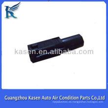 Conector automático para piezas de compresor de automóviles
