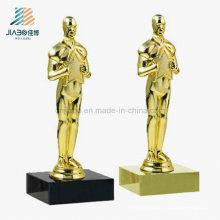 Le trophée de récompense d'oscar fait sur commande d'or de cadeau promotionnel de dessus vendent pour le souvenir