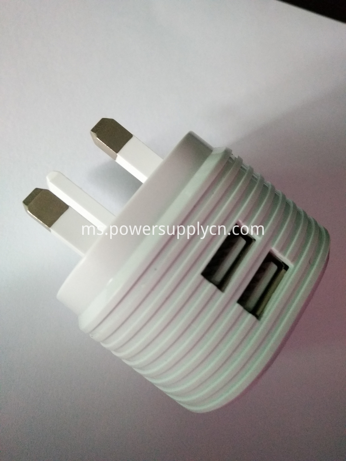 UK plug 2-USB port phone charger