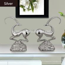 Style de résine de style européen et artisanat Cute Abstract Sculpture Résine Shinny Deer Figurine