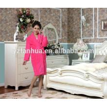 Женский халат хорошего фланель Материал дома удобные недорогие халаты для женщин, халаты оптом
