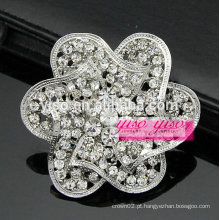 Broche de cristal de flor de redemoinho de prata
