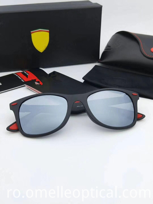 Grey Oversized Sunglass