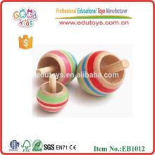 Regalo de madera de la tapa-tapa para el niño