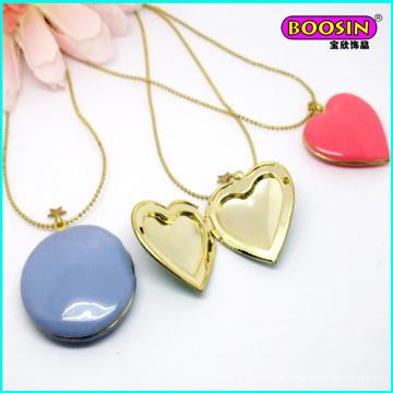 Bonita joyería de collar con colgante de caja de corazón de esmalte dorado de moda