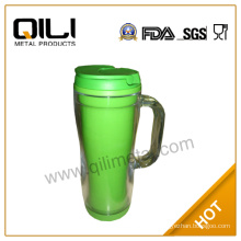 Double wall plastic travel mug with handle