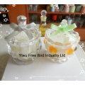 Bougie en cire de soja parfumée blanche dans un bocal en verre