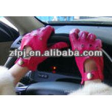Conduire des gants à main en cuir rose