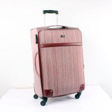 Мягкая сторона переносит чемодан с 2 или 4 колесами