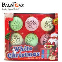 Ornamento plástico decorativo colorido da esfera do Natal