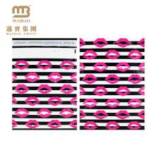 Großhandelsstarker selbstklebender kundenspezifischer rosa sexy Lippenstift-Kuss-Designer druckte farbenreiche 10X13 dekorative Polybriefträger