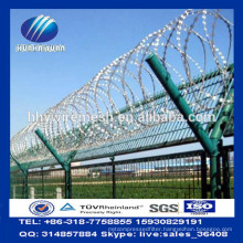 Concertina razor barbed wire Airport Fence with Welded Curvy Bends Fence panels Y Posts Factory
