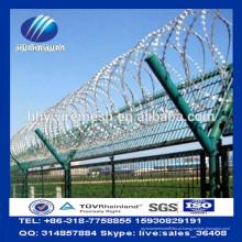 Cerca de aeroporto de arame farpado sanfona Concertina com soldadas curvy curvas painéis de vedação Y Posts Factory