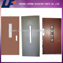 Puerta del elevador, Puerta manual, Puerta de batiente semiautomática