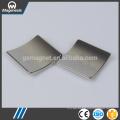 China ouro fabricante mais recente em cerâmica ferrite pot ímã