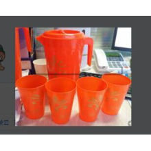 2015 Chinese New Goods Plastic Jugs with Cups