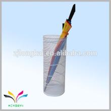 Zhejiang fábrica amortecedor onda malha branco porta guarda-chuva de metal para venda a EUA