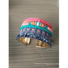 Grânulos de cor Multi Bohemia e pulseira de tecido