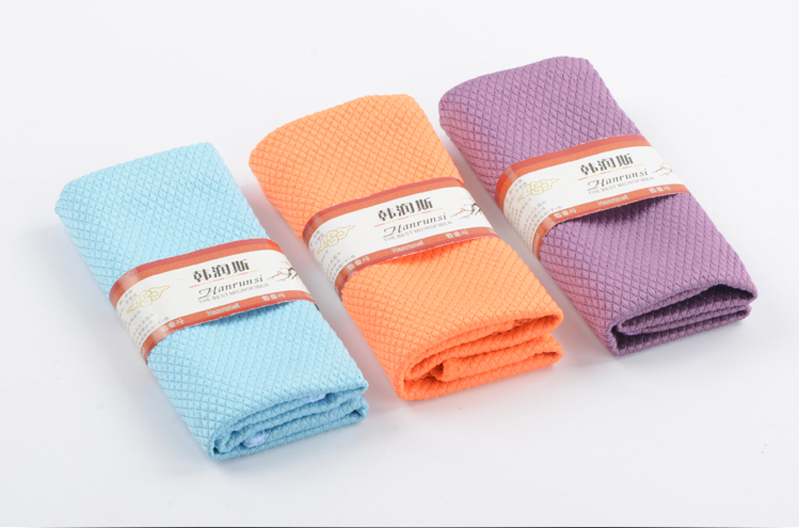 Package of Fish Scale Microfiber Towels