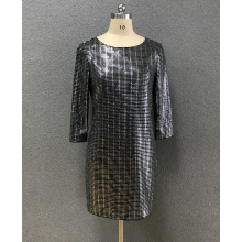 женское платье с круглым вырезом