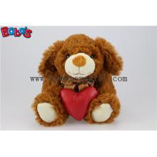 Oscuro peluche de peluche de animales de perro con almohada de corazón rojo Bos1151