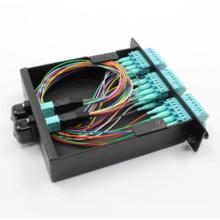 MPO-Kassette mit MPO-LC Patchkabel und Adaptern