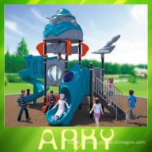 Roboter Eisen Mann Kinder Strand im Freien Spielplatz