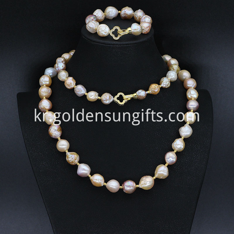 unique pearl necklace