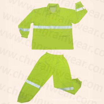 PVC/Polyester Waterproof Safety Reflective Raincoat