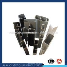 Profil en aluminium pour partition