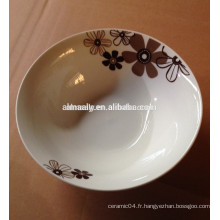 articles ménagers quotidiens utilisant un bol en porcelaine